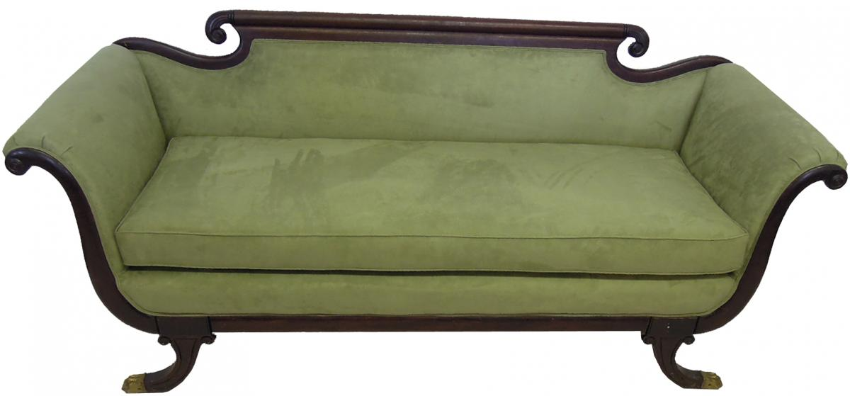 Traditional Sofa in Microfiber