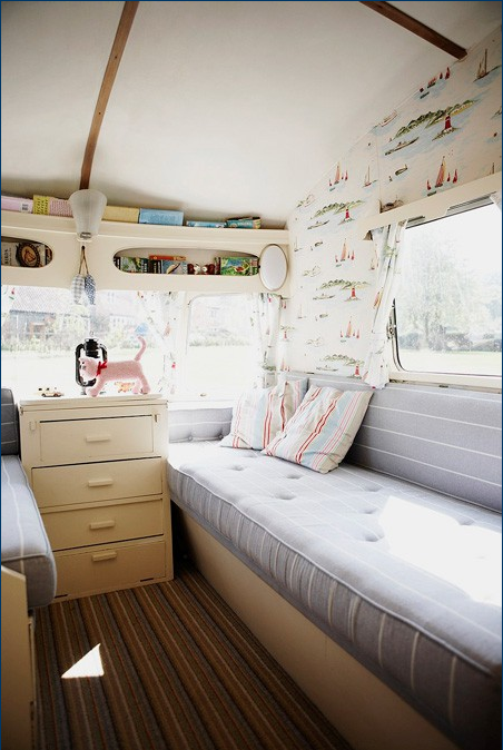 Funky Airstream (via: msmagpiedesigns.com)